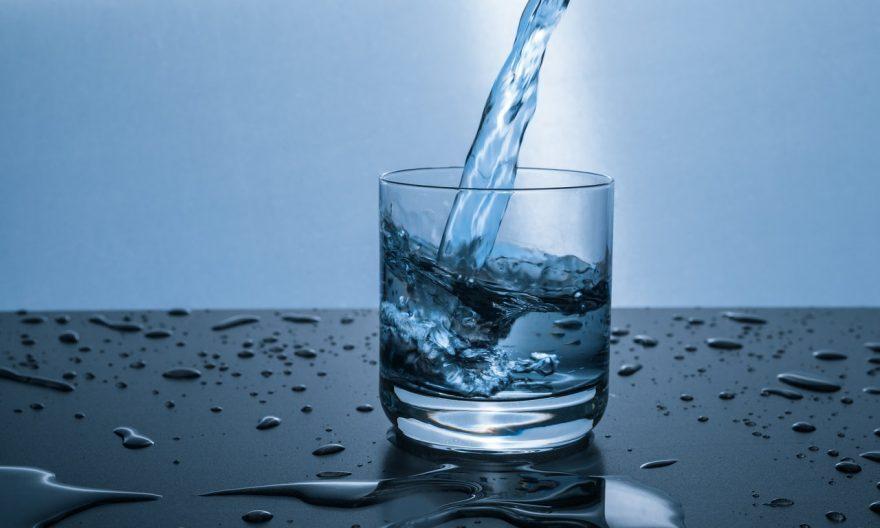 solutions-naturelles-purifier-eau-robinet