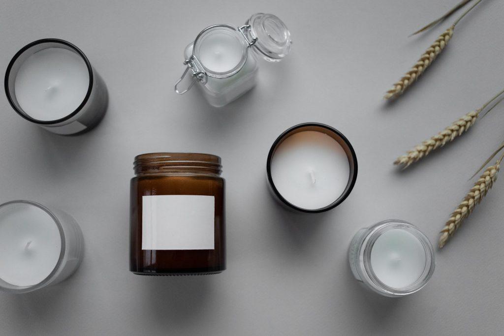Confection d'une bougie vegan et parfumée à la cire de soja